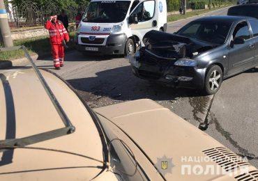 В Бердянске сразу два тарана на дороге совершил водитель, который... умер за рулем