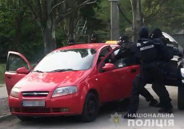 У Запоріжжі оперативники затримали підозрюваного в збуті психотропних речовин