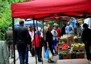 Стихийная торговля в Запорожье (фото)