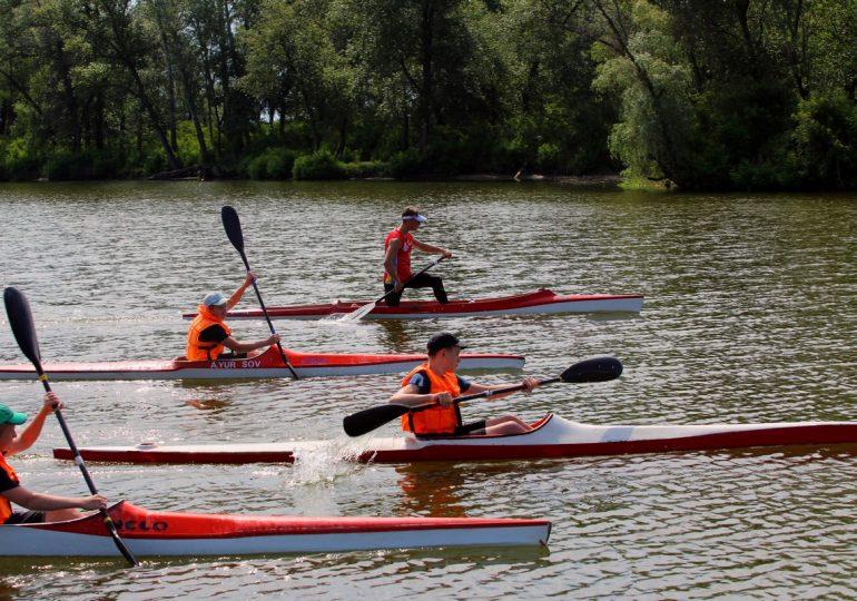 В Энергодаре чемпионы мира возобновили тренировки «на воде» (фото, видео)