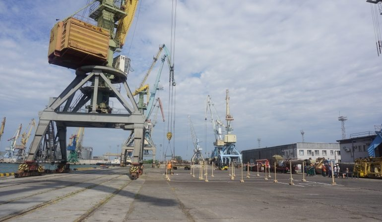 В Бердянском порту провели конкурс профессионального мастерства докеров (фото)