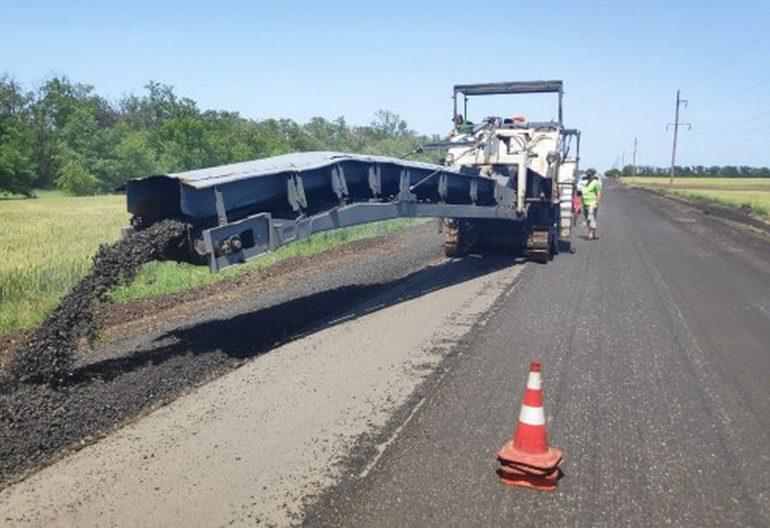 В Запорожской области начались работы на дороге, которая попала в программу Президента «Велике будівництво»