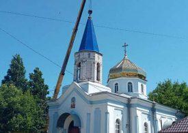 В Мелитополе установили купол на колокольню храма Александра Невского