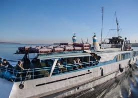 В Запорожье на дачи запускают катера и автобусы