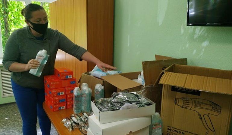 В Запорожье переселенцы помогли социальным работникам
