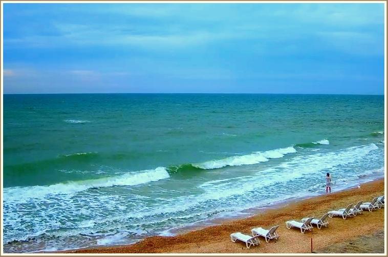 Волнительное море в запорожской Кирилловке (фото)