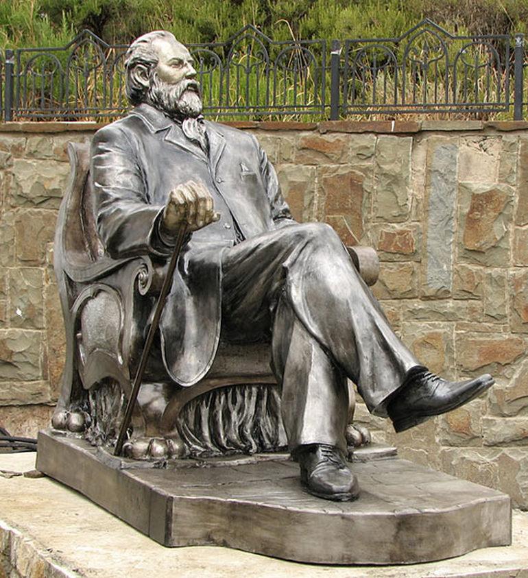 Памятник Голицыну Бориса Чака