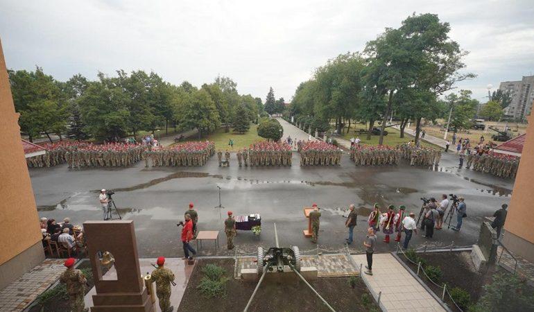 В Запорожье поздравили артиллеристов, вернувшихся из зоны ООС