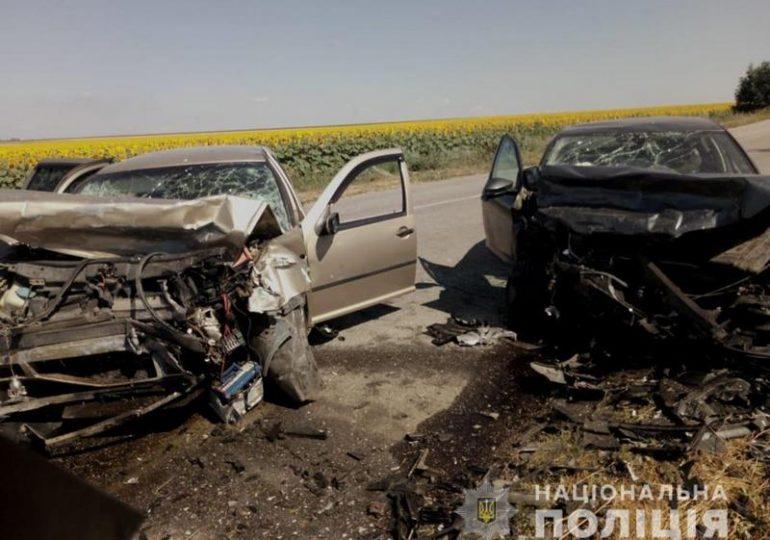 На Запоріжжі поліція встановлює обставини аварії за участю двох легкових автомобілів