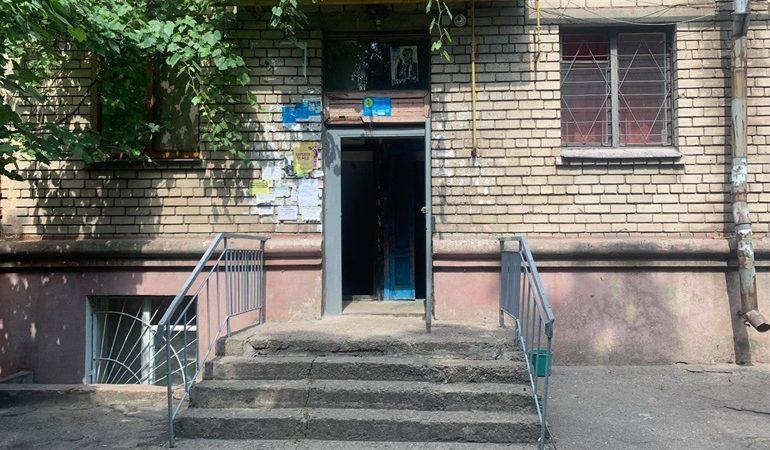 В Запорожьен КП «Наше місто» готовит дома к осенне-зимнему периоду