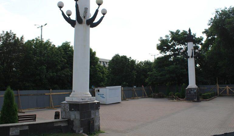 В Запорожье отремонтируют колонны на аллее Трудовой славы