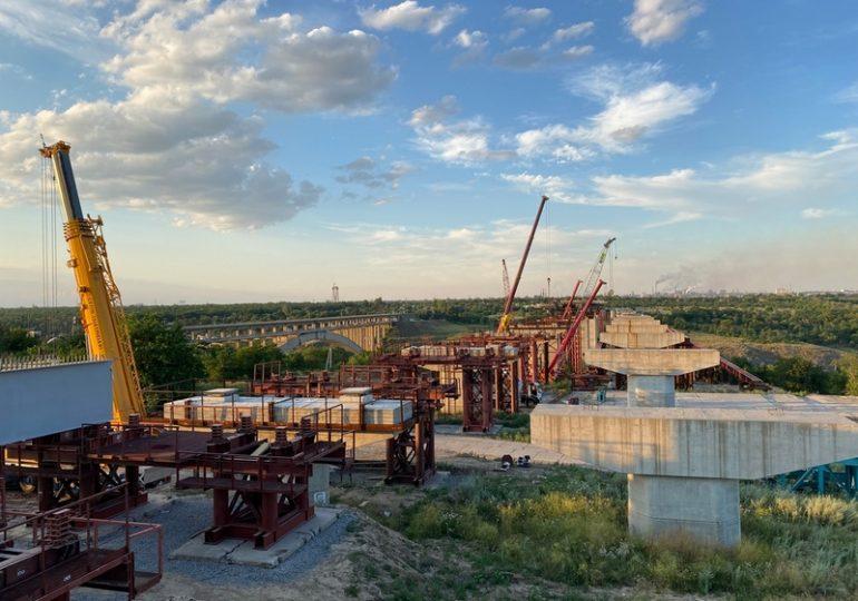 В Запорожье на мостах через Днепр начались основные строительные работы