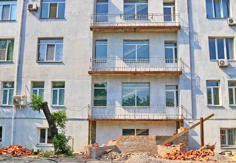 В Бердянской горбольнице завершается реконструкция терапевтического корпуса