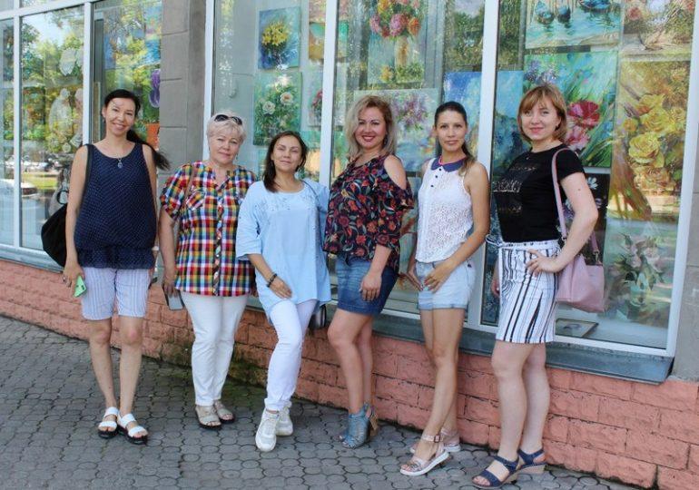 В Мелитополе в витринах библиотеки можно увидеть «Летние грезы» свободных художников