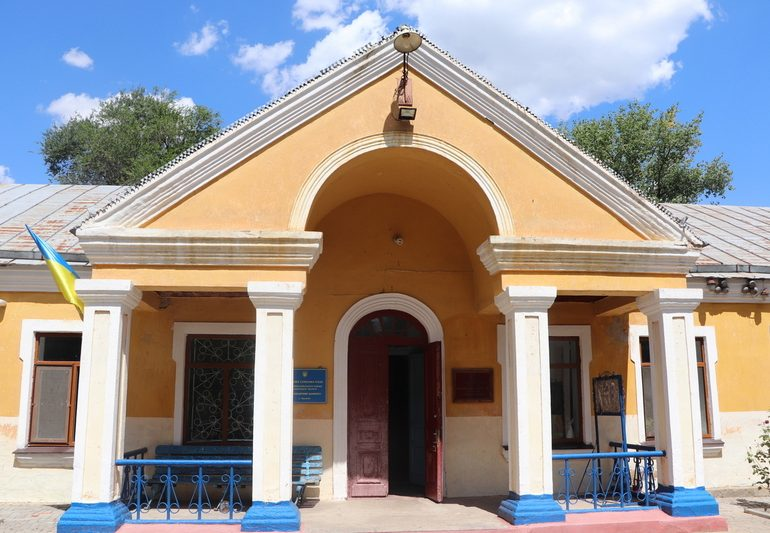 Працівники Запорізького кінного заводу очікують дозволи на отримання земельних ділянок