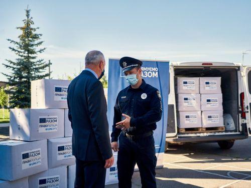 Українські поліцейські отримали від ЄС захисні засоби на 15 мільйонів євро