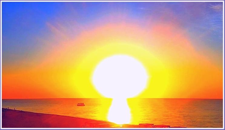 В Запорожской области над морем взошло белое солнце