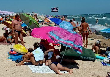 Чистое и теплое Азовское море в Счастливцево – Путешествуем по Украине! (видео)