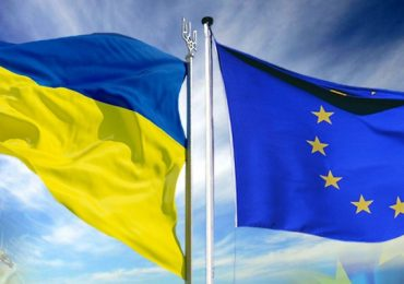 ЄС та ВООЗ передають 27 лабораторіям в Україні обладнання для посиленого тестування на COVID-19