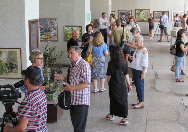 Відкрилася виставка запорізьких художників «До Дня Незалежності України»