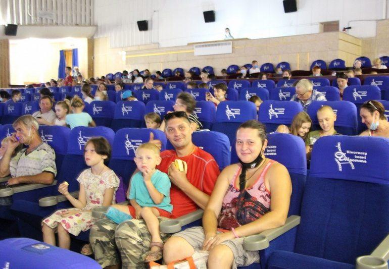 В Запорожье дети из семей, оказавшихся в сложных жизненных обстоятельствах, получили подарки