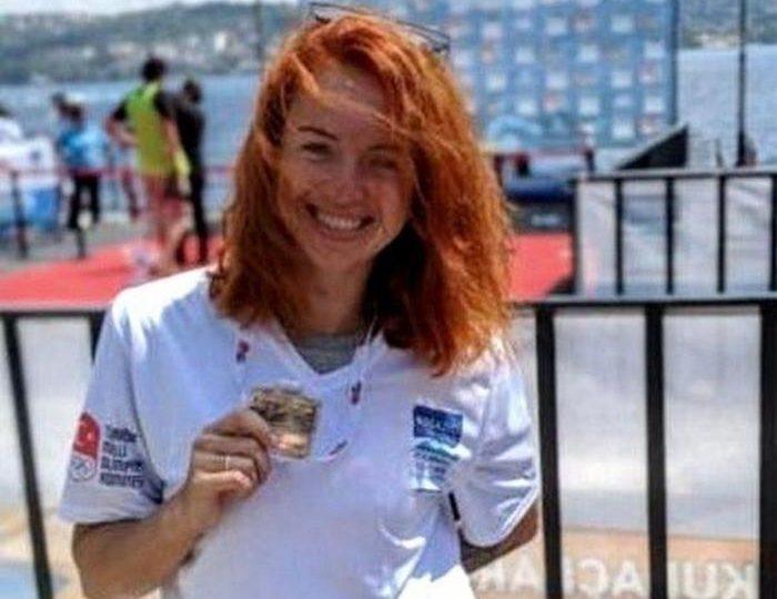 Воспитанница плавательного бассейна Запорожской АЭС завоевала серебро в заплыве через Босфор