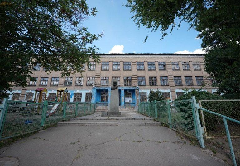 В Запорожье восстанавливают сгоревшую школу