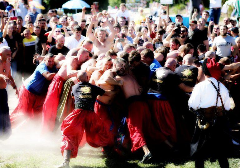 На Хортице проходит международный фестиваль национальных воинских и традиционных культур «Запорозький Спас» (видео, фото)