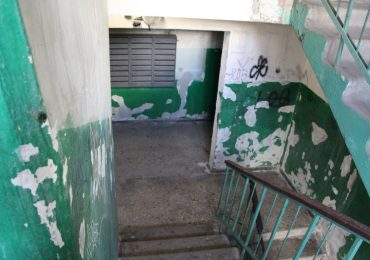 В Запорожье осовременивают подъезды жилых домов