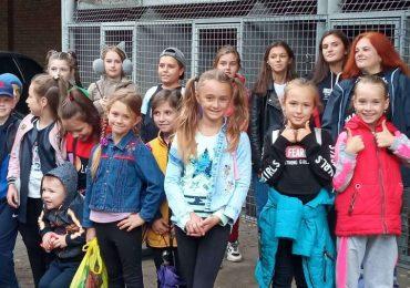 В Мелитополе ученики воскресной школы посетили питомник для собак