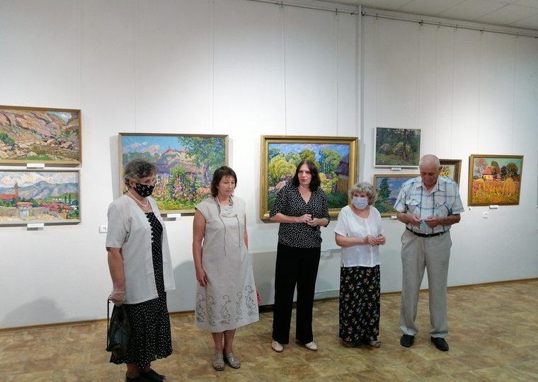 У Запорізькому обласному музеї працює виставка «Корифеї запорізького малярства»