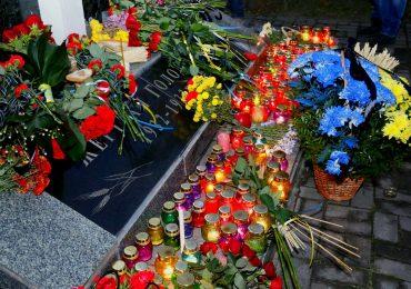 Запоріжці вшанували пам'ять жертв Голодомору (фото)