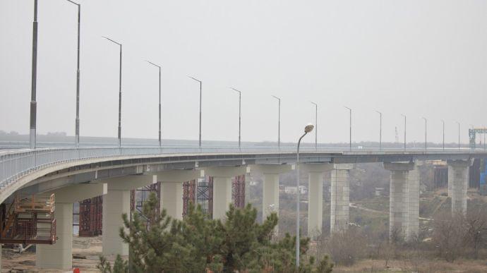 В Запорожье с нового моста, который вчера открыл Зеленский, прыгнул и погиб мужчина
