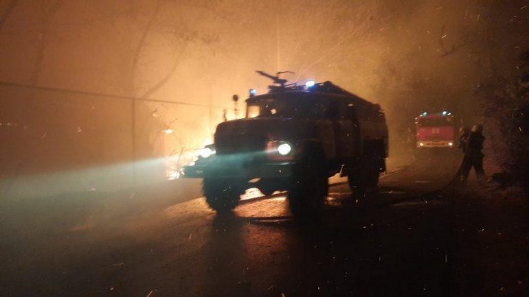 Запорізькі пожежники за добу ліквідували в області п'ять загорянь