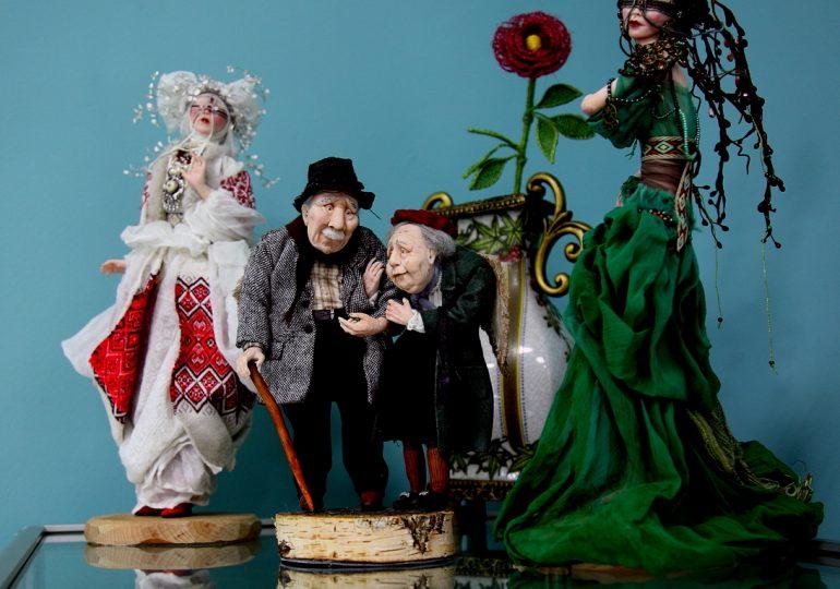 Мир кукол: рождественские чудеса и винтажная мистика